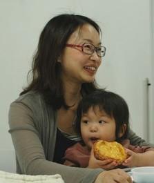 産婦人科医の宋美玄さんと娘の真美ちゃん